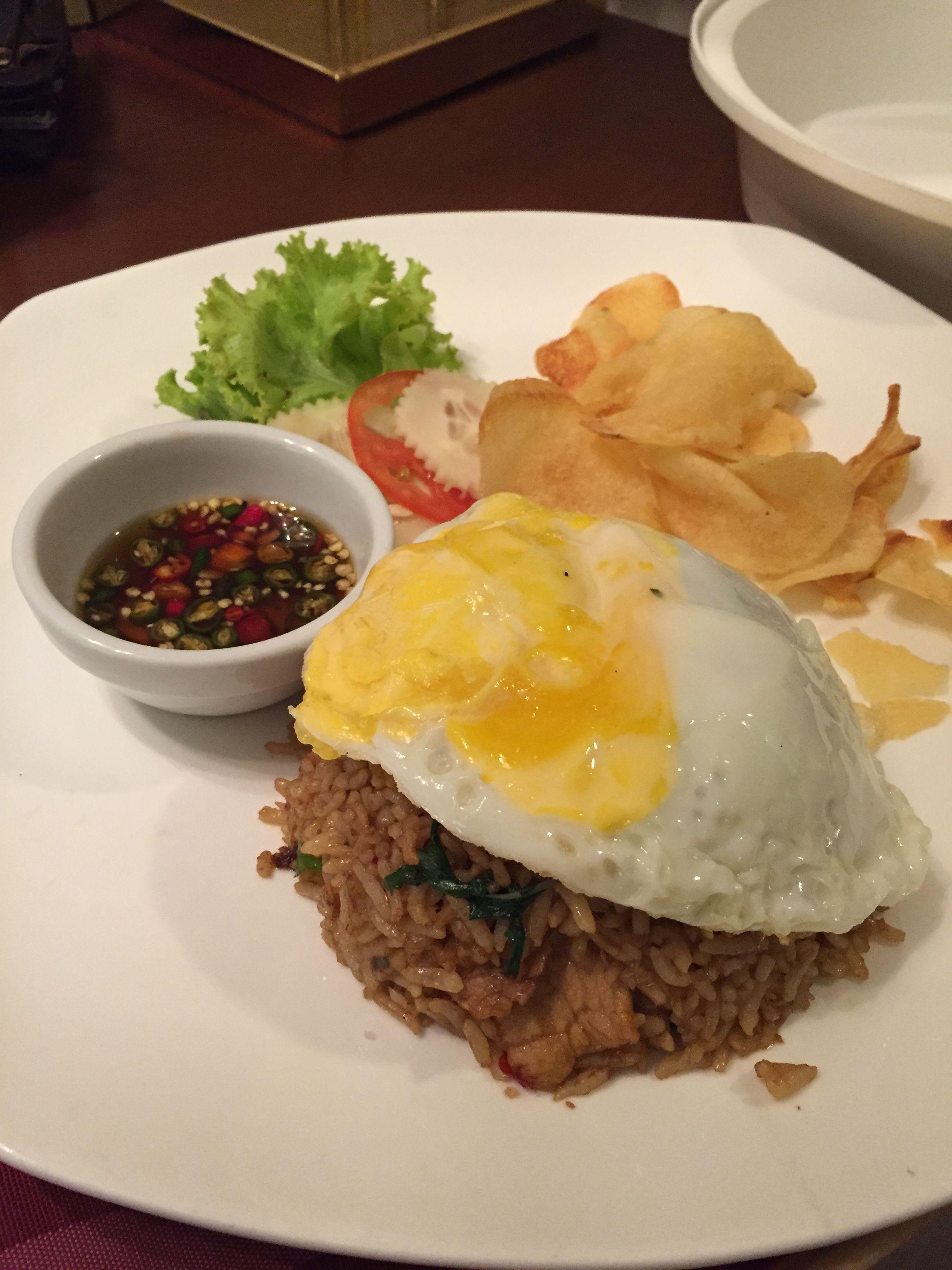 ミャンマーの食べ物に気をつけるべし